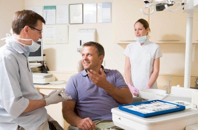 Complicações de implantes dentários: descubra por que isso acontece